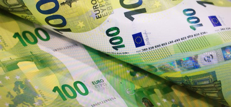 A photo of new 100 euro note